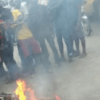 Graphic: Suspected thief burnt to death by angry mob in Lagos